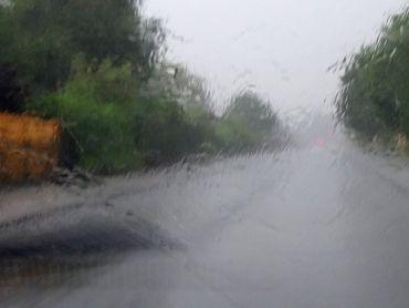 Obfite deszcze + wyciek z szamba = przepis na kłopoty